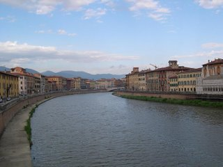 River Arno yet again. It's a nice river, leave me alone.